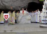 2013 Lourdes Pilgrimage - SATURDAY TRI MASS GROTTO (17/140)