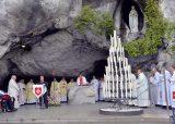 2013 Lourdes Pilgrimage - SATURDAY TRI MASS GROTTO (23/140)