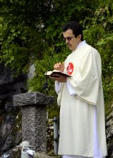 2013 Lourdes Pilgrimage - SATURDAY TRI MASS GROTTO (80/140)