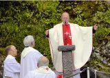 2013 Lourdes Pilgrimage - SATURDAY TRI MASS GROTTO (84/140)