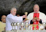 2013 Lourdes Pilgrimage - SATURDAY TRI MASS GROTTO (100/140)