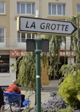 2013 Lourdes Pilgrimage - SATURDAY TRI MASS GROTTO (136/140)