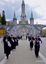 2013 Lourdes Pilgrimage - SATURDAY Procession Benediction Pius Pius (14/44)