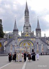 2013 Lourdes Pilgrimage - SATURDAY Procession Benediction Pius Pius (16/44)